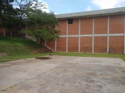 Edificio en venta ideal para almacenaje y producción